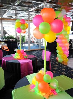4 tips and tricks for an enchanting party! - House decoration more - 4 tips and tricks for an enchanting party! Disco Party, Disco Theme Parties, 80s Party Decorations, 80s Birthday Parties, Neon Birthday, Music Themed Parties, Party Centerpieces, Birthday Party Themes, 40th Birthday