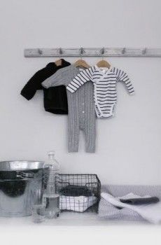 Sfeervolle aankleding #commode #babykamer #jongenskamer | http://findgoodstoday.com/kidsclothes