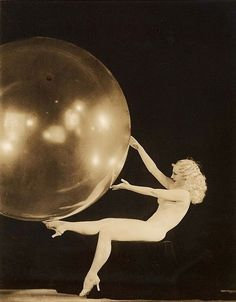Sally Rand, 1930s burlesque dancer by Alfred Cheney Johnston