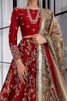 Asian Bridal Dresses, Desi Wedding Dresses, Indian Bridal Outfits, Pakistani Bridal Dresses, Indian Bridal Sarees, Formal Dresses, Designer Bridal Lehenga, Bridal Lehenga Choli, Red Wedding Lehenga