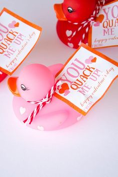 Rubber Duck Valentine Idea by Lindi Haws on the Love of the Day Source For more pins visit our homepage Cute Valentine Ideas, Kinder Valentines, Valentine Gifts For Kids, Valentines Day Party, Valentine Day Crafts, Preschool Valentine Ideas, Preschool Gifts, Valentine Theme, Homemade Valentines