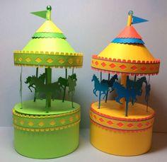 Você pode fazer um diferente carrossel de papel para montar e divertir as suas crianças ou até mesmo utilizá-lo para decorar os seus espaços. ...