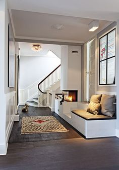 a warm welcome pejs hall My Home Design, House Design, Modern Interior Design, Interior Architecture, Home Living Room, Living Spaces, Flooring For Stairs, European Home Decor, Scandinavian Home