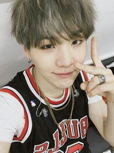 Find images and videos about kpop, bts and bangtan boys on We Heart It - the app to get lost in what you love. Suga Suga, Min Yoongi Bts, Bts Bangtan Boy, Jhope, Namjoon, Taehyung, Hoseok, Yoonmin, Foto Bts