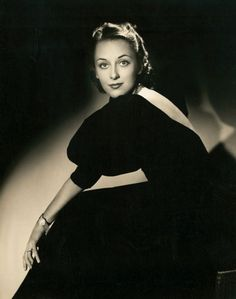 Ann DVORAK (1911-1979) [] Active 1916–52 >  Born Anna McKim 2 Aug 1911 New York City > Died 10 Dec 1979 (aged 68) Hawaii, stomach cancer > Spouses: Leslie Fenton (1932–1945 div); Igor Dega (1947–1951 div); Nicholas Wade (1951–1975, his death). Notable Films: Three on a Match (1932); Scarface (1932); G-Men (1935);  Merrily We Live (1938); This Was Paris (1942); The Long Night (1947); I Was an American Spy (1951)