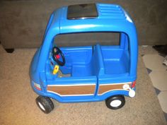 Little Tikes Blue Woody Mini Van Ride On Toy RARE DISCONTINUED EUC Vintage 1993 Outdoor Toys For Kids, Diy For Kids, Outdoor Fun, Homemade Gifts For Mom, Little Tikes, Ride On Toys, Old Toys, Childcare, Vintage Toys