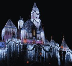 Picture: Disneyland Castle has sparkly new decorations for the Christmas holiday season!