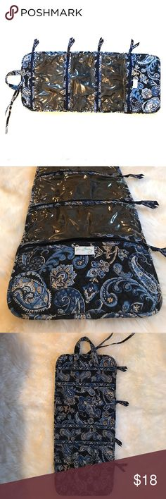 Vera Bradley Hanging Organizer in Windsor Navy Nice convenient travel bag zips cosmetics and other essentials for easy organization while on-the-go. Very slightly used; no rips, excellent condition! Vera Bradley Bags Travel Bags