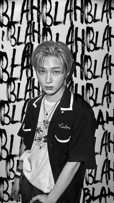 Black Wallpapers Tumblr, Boy Idols, Kim Sun, Boys Wallpaper, My Land, Korean Celebrities, Kpop Aesthetic, Favorite Person, Kpop Boy