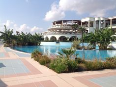 Amazing and luxurious. Key Photo, Atrium, The Prestige, Greece, Beautiful Places, Spa, Mansions, Luxury, House Styles