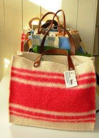 Wollen tas Recycled Blankets, Blanket Coat, Vintage Blanket, Boho Bags, Craft Bags, Fabric Bags, Vintage Wool, Small Bags, Bag Making