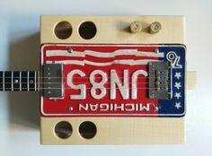 Kuunys license plate four strings guitar, full maple tree body and neck, wenge fingeboard, adjustable bridge, Seymour Duncan APH 1- N pickup.