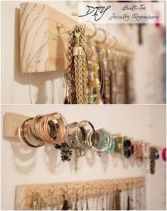 Super jewerly organizer diy box bracelets ideas - About jewelry organizer diy Necklace Storage, Jewellery Storage, Jewellery Display, Jewellery Stand, Diy Bracelet Storage, Earring Storage, Body Jewellery, Necklace Display, Diy Schmuck