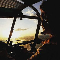 7 отметок «Нравится», 2 комментариев — Екатерина Богданова (@belka_sablezub) в Instagram: «Вперед, навстречу солнцу! #sky #happy #fly #sunshine #summer #летимнавстречусолнцу…»