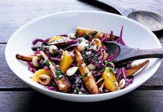 Punakaali-juures-appelsiinisalaatti   Kuntoplus.fi Fruit Salad, Cobb Salad, Vegan Recepies, Xmas Food, Kung Pao Chicken, Mozzarella, Pasta Salad, Side Dishes, Cooking Recipes