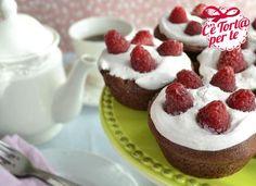 Tortine cioccolato e lamponi: delizie deliziose per ogni occasione.  Clicca e scopri la ricetta...