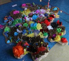 Artsonia is a kids art museum where young artists and students display their art for other kids worldwide to view. This gallery displays schools and student art projects in our museum and offer exciting lesson plan art project ideas. Ocean Projects, Art Projects, Projects To Try, Art For Kids, Crafts For Kids, Children Crafts, Coral Reef Craft, Underwater Party, School Decorations