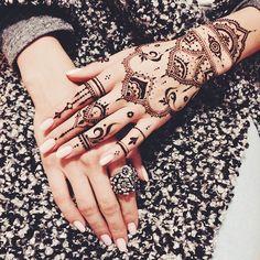 Lacy oriental mehndi glove Veronicalilu