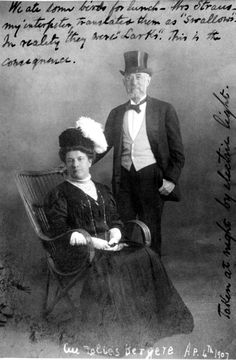 Isidor and Ida Straus. As they lived together, so they died together. She refused to leave his side as the Titanic was sinking. Rms Titanic, Titanic Wreck, Titanic Photos, Titanic Sinking, Titanic Ship, Titanic History, Titanic Movie, Tudor History, Ancient History