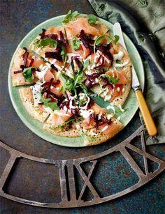 ピザのように大きく焼いて、サーモンや野菜をトッピングしてパーティでみんなでシェアして楽しむもの◎