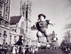 Pilgrim at the Macy's Thanksgiving Day Parade, NYC 1946 Macys Thanksgiving Parade, Vintage Thanksgiving, Happy Thanksgiving, Vintage Pictures, Old Pictures, Nyc, Big Balloons, New York, Parade Floats