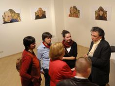 17 Olaf Böhme im Gespräch mit Besuchern am 01.12.2013 in gallery sybille nuett Dresden