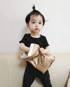 Cute Baby Boy, Cute Little Baby, Lil Baby, Little Babies, Baby Kids, Cute Asian Babies, Korean Babies, Asian Kids, Cute Babies