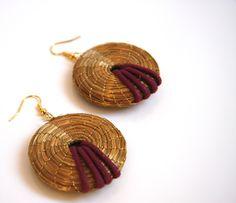 boucles d'oreilles en capim dourado (matières naturelles )  www.meninachicbresil.com