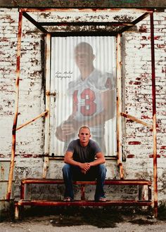click the pic to see photography inspiration for senior guy football, athlete, posing and location