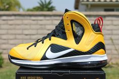 Not Too Many Shoes Can Pull Of Yellow  Black Like These #Follow #DetroitKicks #BeforeMeloDecides