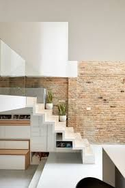 This British Home Has Been Redesigned To Include A Split-Level Interior The owners of Scenario Architecture have sent us photos of their own home in London, England, that they've renovated to suit. Modern Staircase, Staircase Design, Staircase Storage, House Staircase, Stair Storage, Storage Drawers, Home Interior, Interior Architecture, Interior Design
