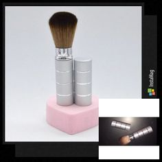 Retractable travel brush Silver Makeup Brushes & Tools
