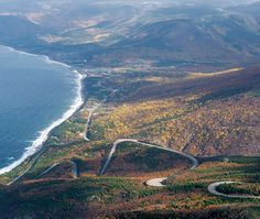 One of Canada's best-known drives, the Cabot Trail is a loop that traces the northern shoreline of Nova Scotia's Cape Breton Island. Cabot Trail, Tour Du Canada, Parc National, National Parks, Cap Breton, Discover Canada, Le Cap, Atlantic Canada, Visit Canada