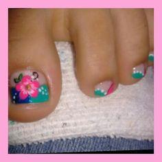 . Pedicure Designs, Pedicure Nail Art, Toe Nail Designs, Toe Nail Art, Summer Toe Nails, Toe Polish, Pretty Toes, Toenails, Flower Nails