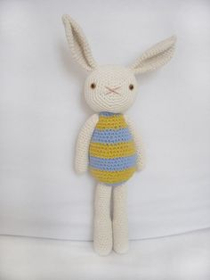Easter is coming. Bunny love. 100% organic cotton yarn crocheted amigurumi from Moncho