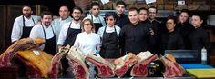 José Gordón, con su equipo de cocina y de servicio en sala / Foto de B. Fernández