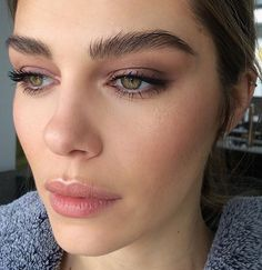 Beautiful eyebrows and neutral makeup