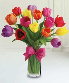 SPRING TULIPS Capture the essence of spring with tulips, the most popular Easter Flower. Colors may vary