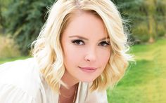 Best known for her role as Dr. Izzie Stevens on Grey's Anatomy and for her work helping animals, Katherine Heigl was named spokesperson for the 2014 Remember Me Thursday campaign, a global pet adoption awareness event on Thursday, September 25, organized by Helen Woodward Animal Center.