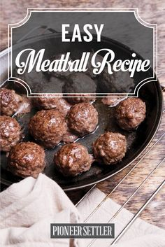 Want to try an easy meatball recipe? If you're planning to make spaghetti with meatballs or just want to have something delicious for dinner. Homemade Food Gifts, Easy Homemade Recipes, How To Make Meatballs, Chicken Meatball Recipes, Yummy Food, Yummy Yummy, Tasty, Food Porn, Easy Meals