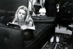 Brigitte Bardot reads.