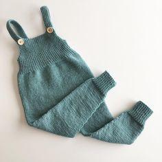Hekta på oppskrifter fra for tiden😍… Baby Girl Fashion, Toddler Fashion, Knitting For Kids, Baby Knitting, Baby Boy Outfits, Kids Outfits, Bitty Baby Clothes, Baby Mine, Baby Clothes Patterns