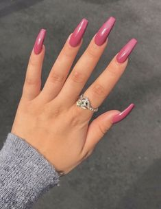 We do Nails ⚡️🦄 Come visit us Often, we post fresh and surprising Nail designs every single day. Beautiful Nail Art, Gorgeous Nails, Pretty Nails, Hello Gorgeous, Sns Nails Colors, Pink Nails, Black Nails, White Nails, Sexy Nails
