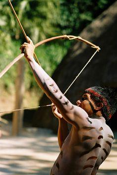 Guerrero Tribal, People Around The World, Around The Worlds, Amazon People, Amazon Tribe, Xingu, Indigenous Tribes, Beauty Around The World, Tribal People