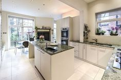 4 bedroom flat for sale in Hollycroft Avenue, Hampstead NW3 - 32891220