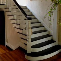 Painted staircase: these are my absolute fav!