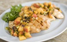 Chicken with Grilled Peach and Chipotle Salsa // Grill dinner ideas Baked Chicken, Chicken Recipes, Grilled Chicken, Salsa Chicken, Grilled Fish, Recipe Chicken, Detox Recipes, Healthy Recipes, Yummy Recipes