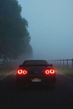 Nissan GT-R 34