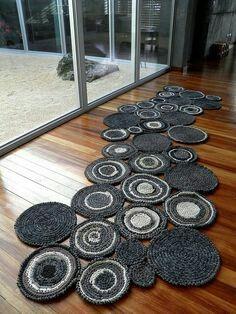Crochet circular rug