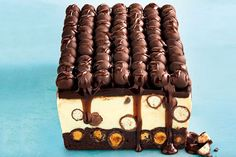 For a dessert with real wow factor you can't go past this decadent Malteser cheesecake slice layered with a rich brownie base, white chocolate centre and dark chocolate topping. Jelly Cheesecake, Cheesecake Toppings, Raspberry Cheesecake, Cheesecake Recipes, Chocolate Slice, Chocolate Topping, Melting Chocolate, Peanut Butter Slice, Coconut Slice